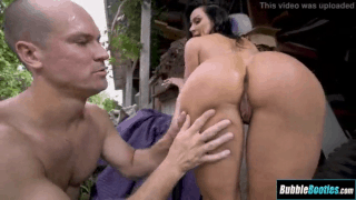 What an big bubble butt on Her – Kendra Lust