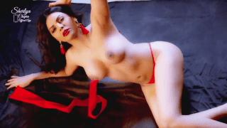 Indian actrees Sherlyn Chopra Showing Her Full Nude Body sex show