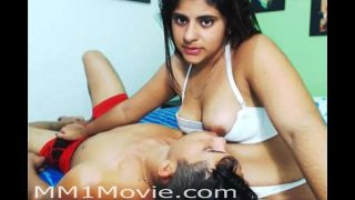 indian swity teen girl Breastfeeding Her Boyfriend