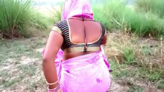 Indian supper sexy village Aunty xxx sex in outdoor with friend
