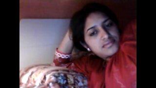 Indian amateur sexy bhabhi waiting for fucking mms