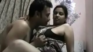 panjabi big ass women sucking dick of her lover in hotel room